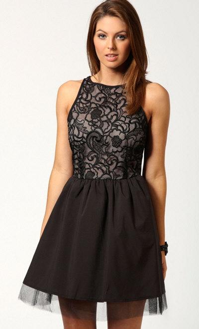 Платье с длинной пышной юбкой доставка